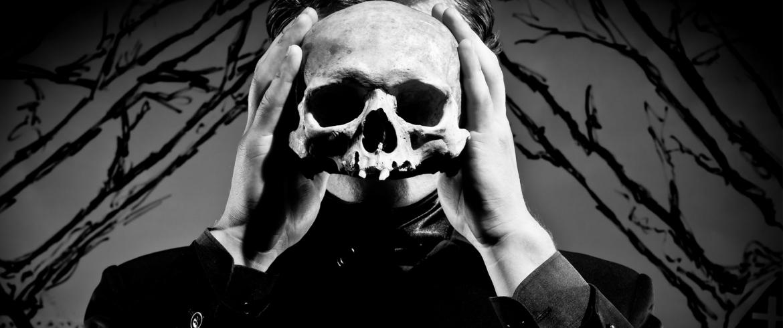 картинки гамлета с черепом предупреждают опасных